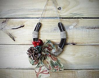 Christmas Holiday Horseshoe Wall Hanging Decor Holly Holiday Ribbon