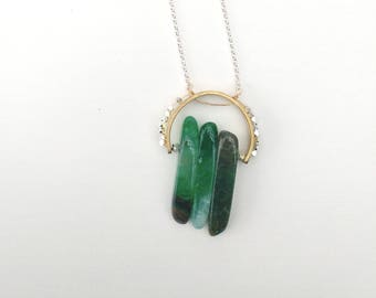 green agate crown necklace