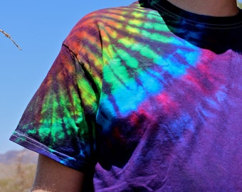 Tie Dye T-Shirt, Trippy Mens Top, Psychedelic Purple Clothing, Hippie Tie Dye Shirt