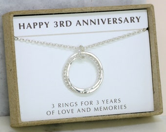 3rd anniversary gift, 3 linked rings necklace, gift for wife, girlfriend, mother of the groom gift - Lilia