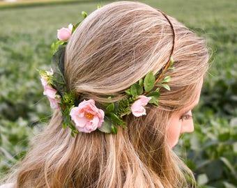 Blush wedding headpiece. Blush flower crown. Blush bridal hairpiece. Blush wedding flowers. Blush hair flowers. Floral crown. Wedding crown