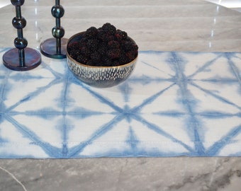 Shibori Table Runner - Geometric pattern