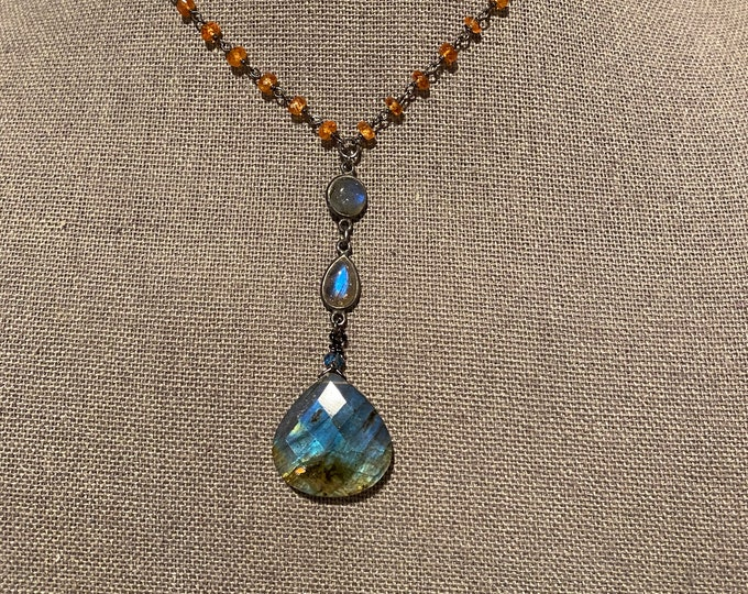 Labradorite pendant with spessertine garnet chain