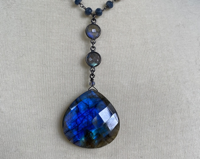 Labradorite Pendant with sapphire gem chain necklace