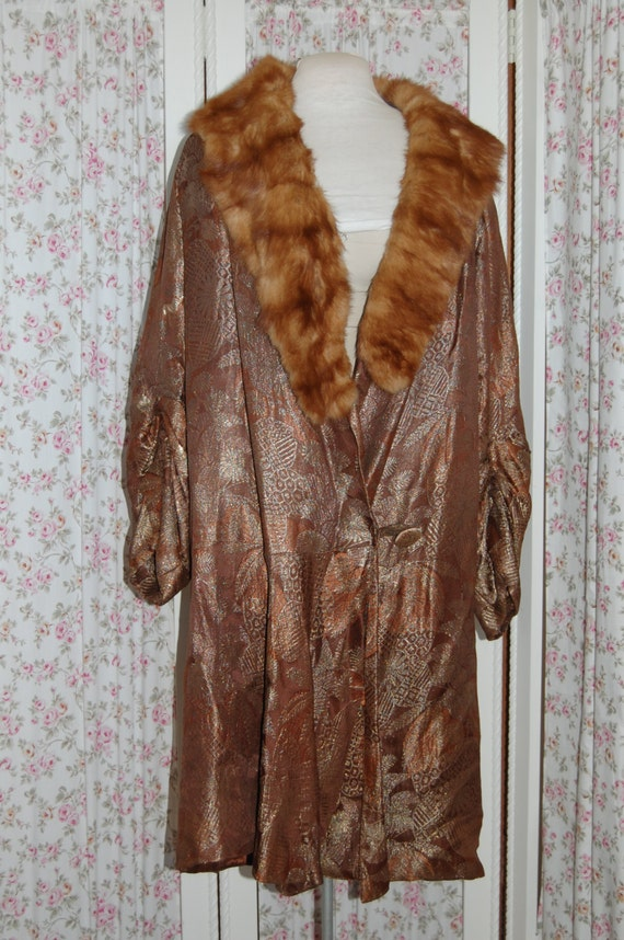 1920's metallic fabric flapper coat. Fantastic con
