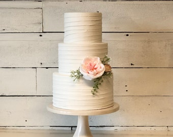 """5"""" tall tiers rustic  wedding cakes. Wedding cakes. Perfect for photo shoots."""