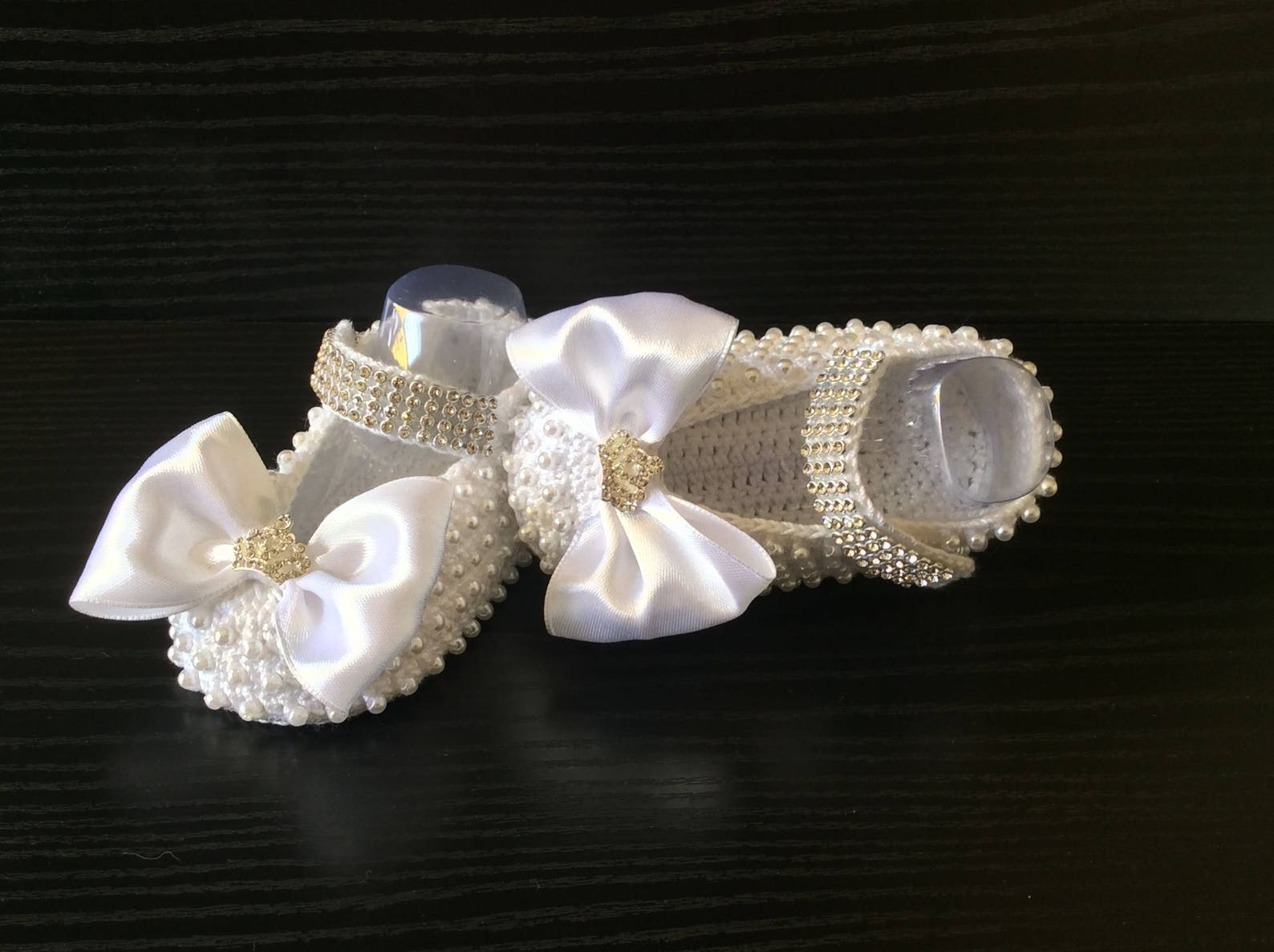 crochet princess shoes with pearls and rhinestones, white handmade mary jane , ballet sleepers with pearls