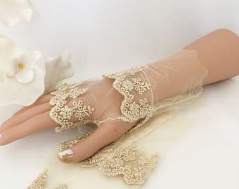 Gold bridal gloves, gold lace gloves, wedding gloves, gold fingerless gloves, tulle lace gloves, bridal gloves, vintage look gloves