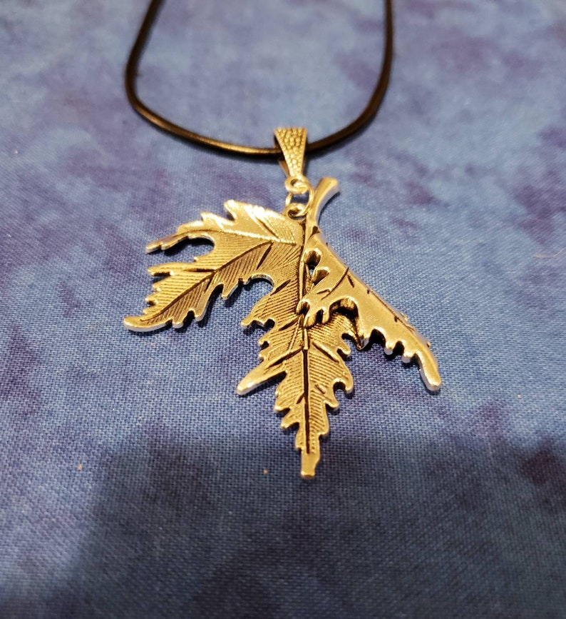 Silver Tone Maple Leaf Necklace