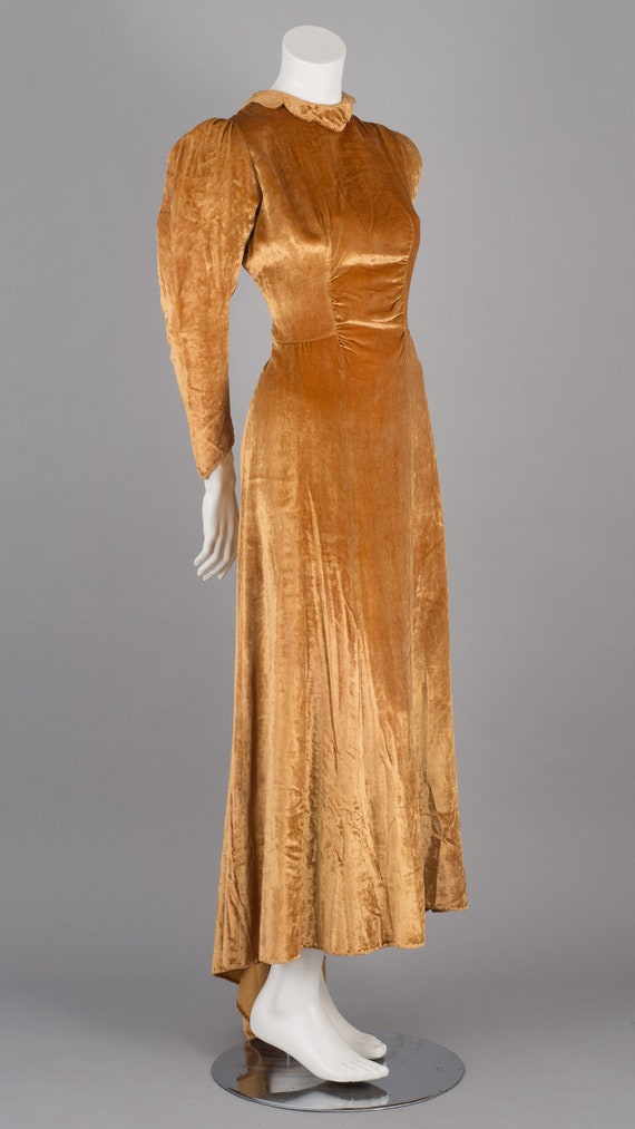 Sublime 1930s Gold Velvet Maxi Dress with Puff Sl… - image 4