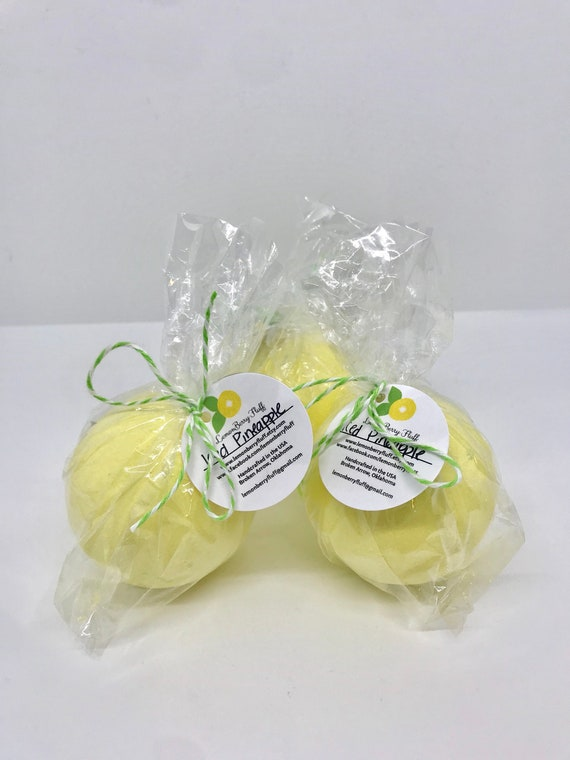 Iced pineapple  bubbling bath bomb