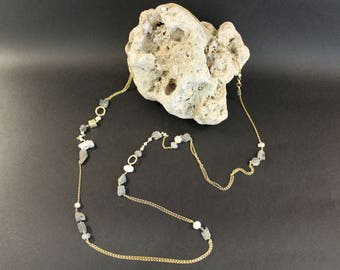 handmade unique silver 925 necklace with rough labradorite and pearls
