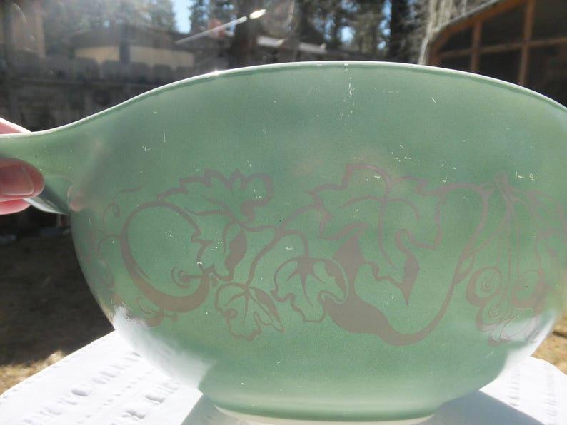 Pyrex Salad Bowl Pattern Pyrex 444 Promotional Bowl Cinderella Bowl AKA Fetus Bowl