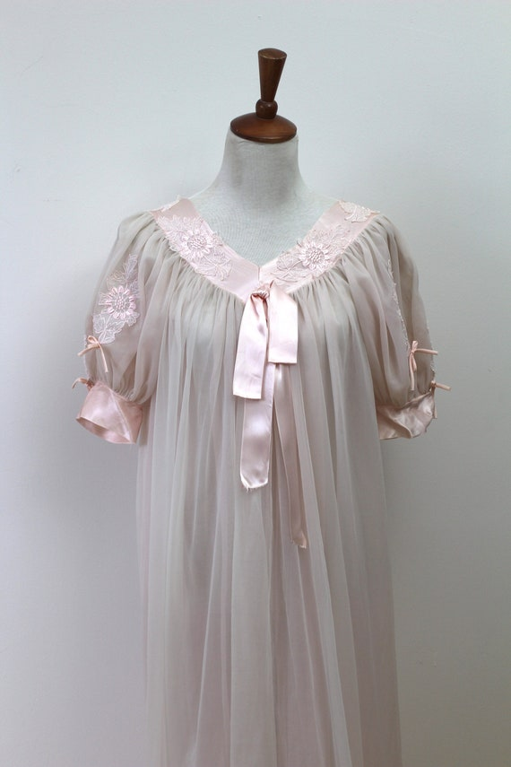 Vintage 1950s Peignoir Sheer Light Pink Robe Lace