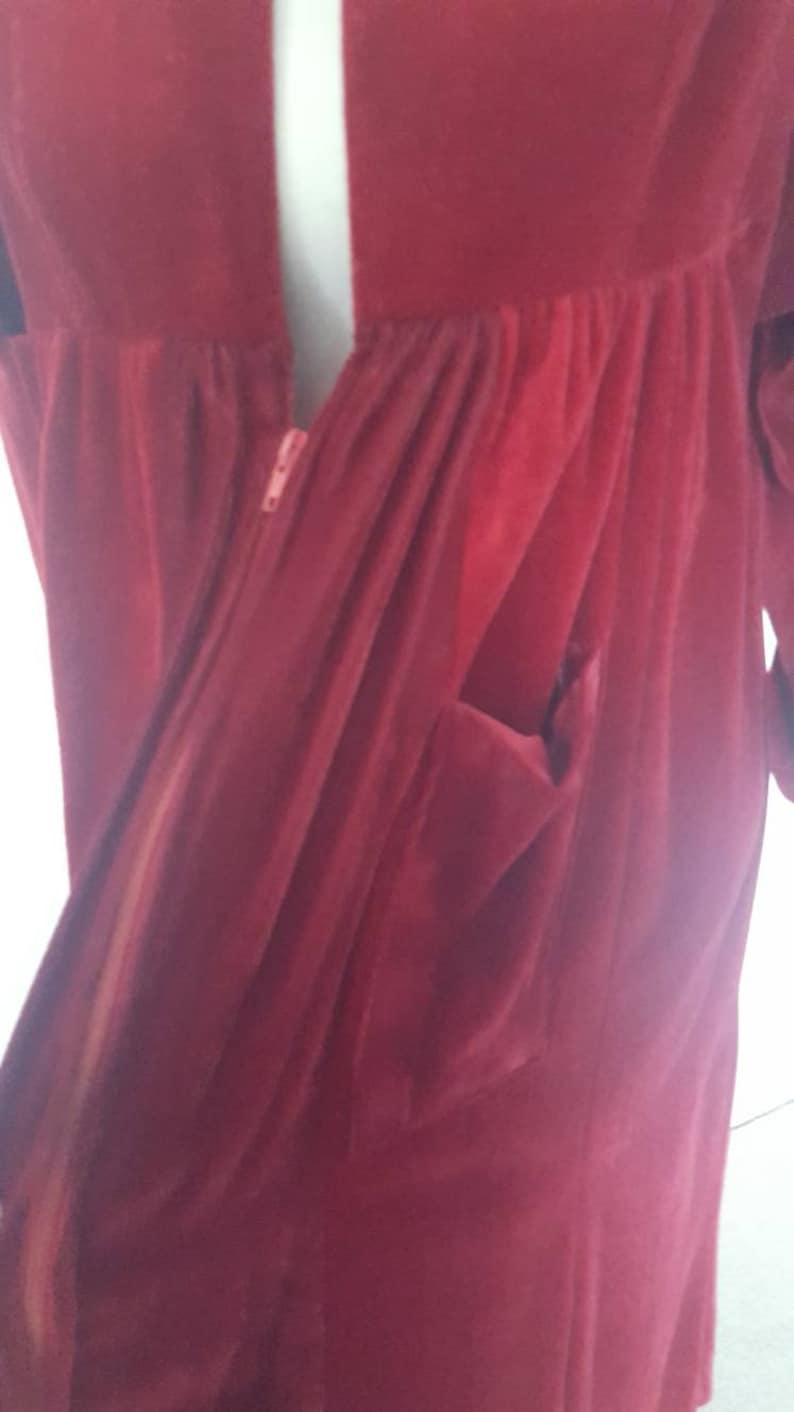 Vintage 1960s 1970s Maroon Red Velvet Robe Dressing Gown Sleepwear Winter  Valentines Day