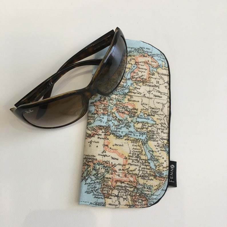 Spectacle case image 0