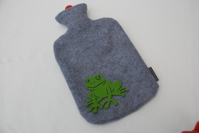 Hot bottle frog image 0