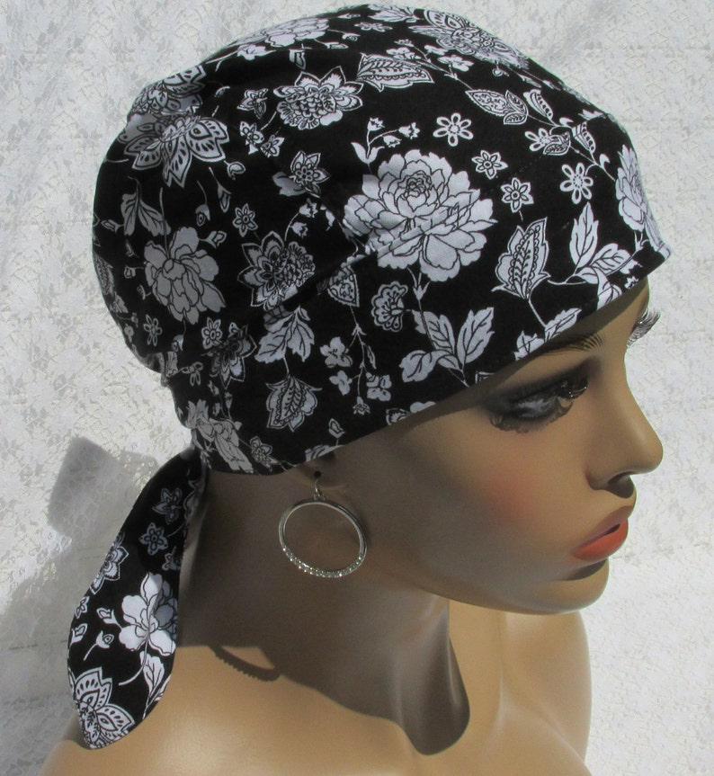 465497111c7 Women s black and white floral chemo hat scrub hat