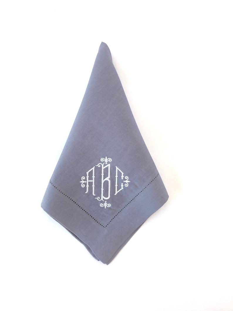 Monogrammed Napkins  Cloth Napkins  Dinner Napkins  Linen Napkins  Table Linens  Personalized napkins  Wedding Gift  Hostess Gift