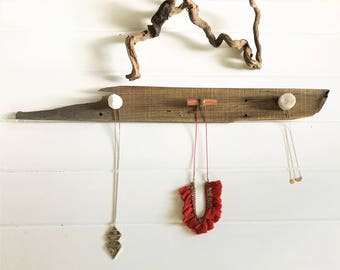 Rustic Towel Rack | Reclaimed Wood Wall Organizer Hanger | Decorative Necklace Organizer | Quartz Knobs for Jewelry, Leashes, Coats