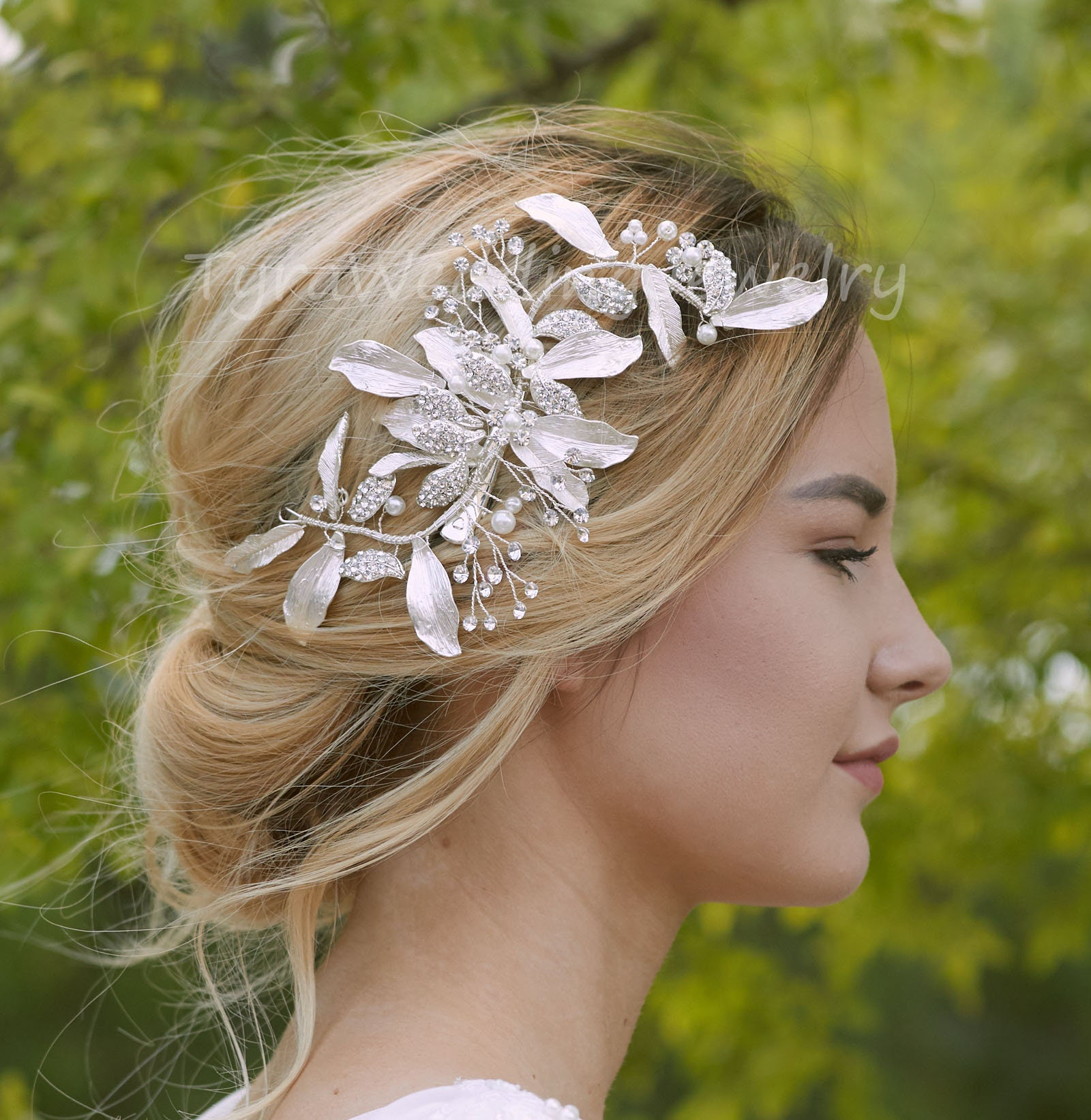 bridal hairpiece with large flower pearls /& rhinestones