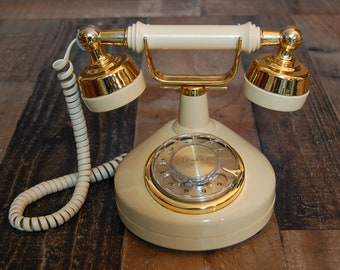 Vintage French Rotary Western Electric Phone, vintage cream color, good working condition,very clean,dial working properly, great display