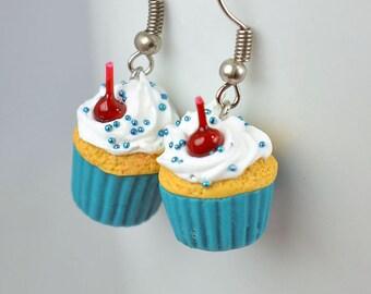 Boucles d'oreilles cupcake, bijou gourmand en pâte polymère fimo, idée cadeau femmes filles, nourriture miniature, bijoux originaux amusants