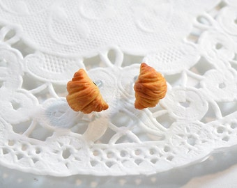 Stud Earrings, miniature Croissant in polymer clay Fimo, sweet jewelry, miniature food Fimo, Fimo pastry earrings