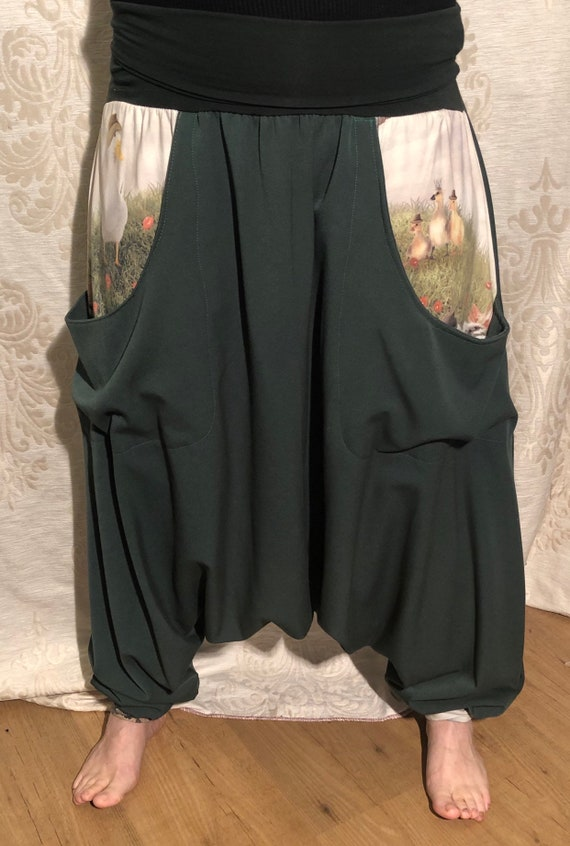 Offer!!! Green harem pants of soft supple fabric & pockets with digital print of chicks and goose. From 65,-to 50,-euro