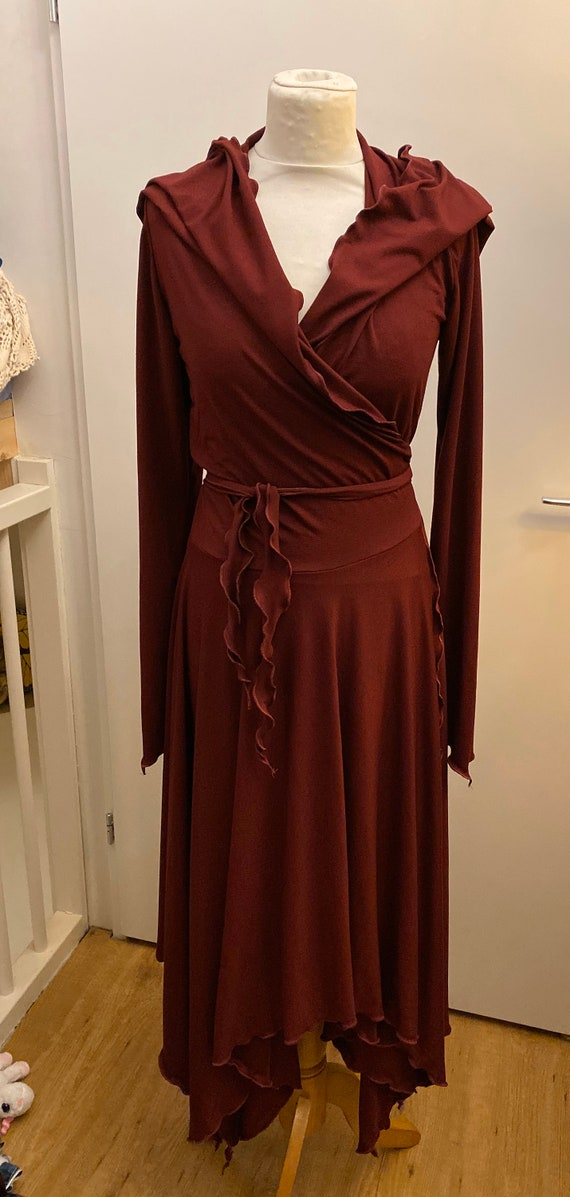 Stunning wrap dress with hoodie burgundy