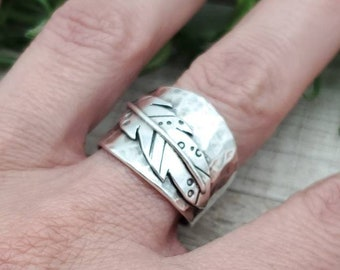Sterling Feather Saddle Band Feather Ring / Bobo / Tribal  (Size 8 1/2)