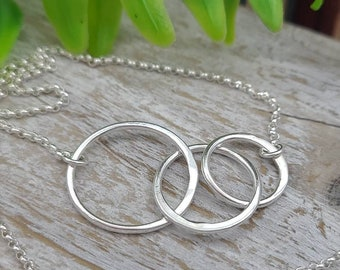 Three Ring Necklace / Minimalist Necklace / Circle Necklace