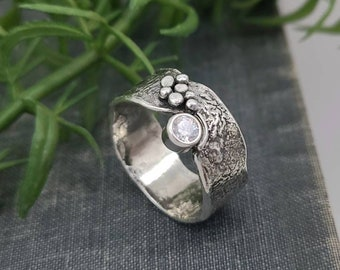 Sterling Silver & Swarovski Crystal Luna Fire Ring / One of a Kind / SIZE 9