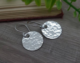 Sterling Hammered Disc Earrings / Everyday Staple