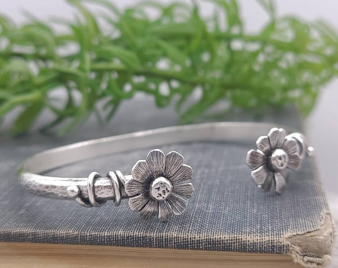 Featured listing image: Sterling Silver Wildflower Cuff