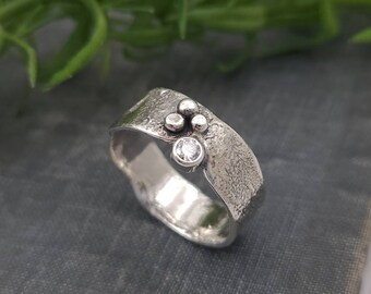 Sterling Silver & Swarovski Crystal Ring / One of a Kind / Solitaire / SIZE 9 1/2