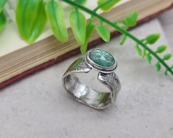 Sterling Silver & Mint Green Kyanite Ring / Luna Fire Ring / One of a Kind / SIZE 8 1/2