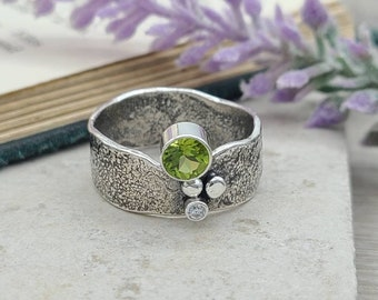 Sterling Silver & Peridot  Ring / One of a Kind / Solitaire / SIZE 8 3/4