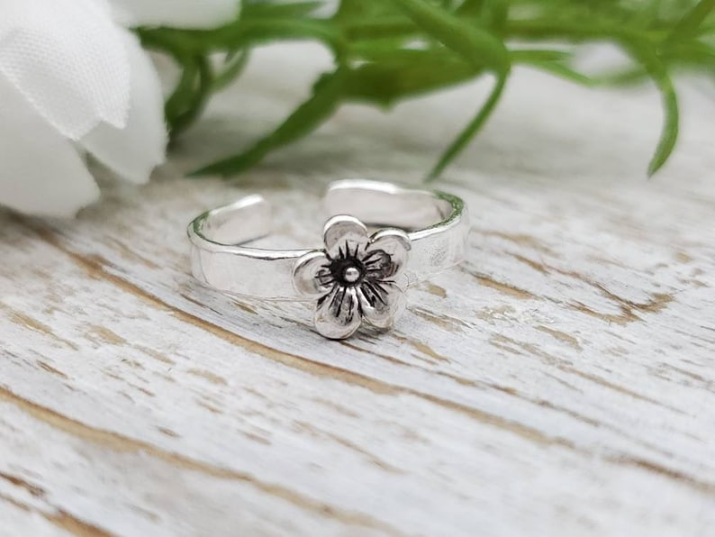 Sterling Silver Flower Toe  Ring image 0