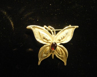Butterfly pin with  Amethyst.