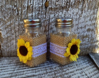 Sunflower Wedding Salt & Pepper Shakers / Rustic Country Wedding Reception / Bride and Groom Table Decor / Country Western Wedding
