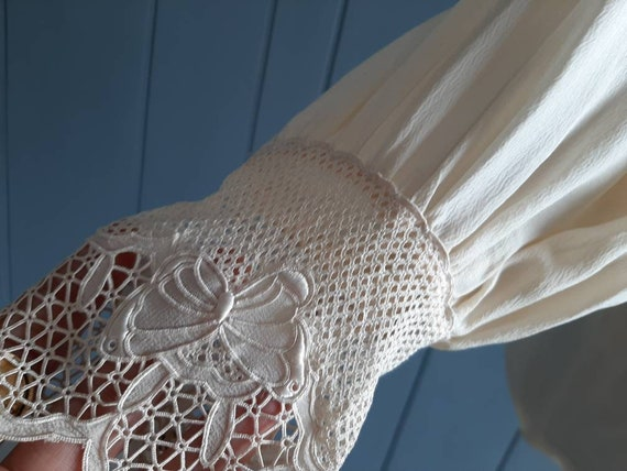 Victorian Silk Blouse Vintage Silk Blouse - Ivory… - image 9