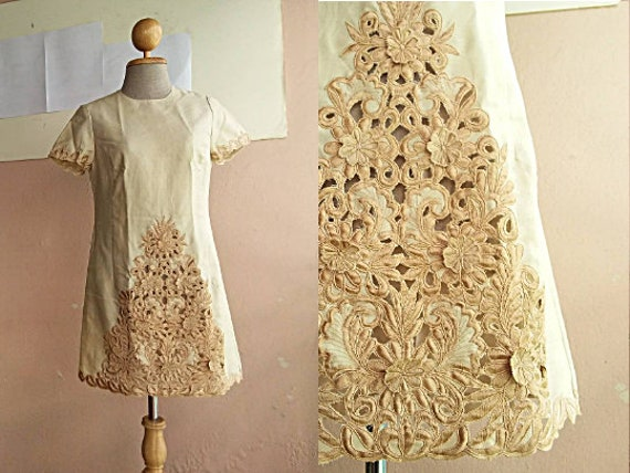 "60s Mod Dress - Cream Day Dress - Small - 28"" Wais"