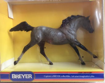 Breyer Horse - Fade to Grey Model No.  802