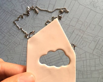 Earthquake Italy Aid - Necklace made of chain with a house shaped pendant with cloud