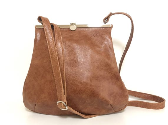 "Leather bag ,shoulder bag,handbag , ""Muskat "" , beige, light brown , evening bag , strap closure , metal closure"