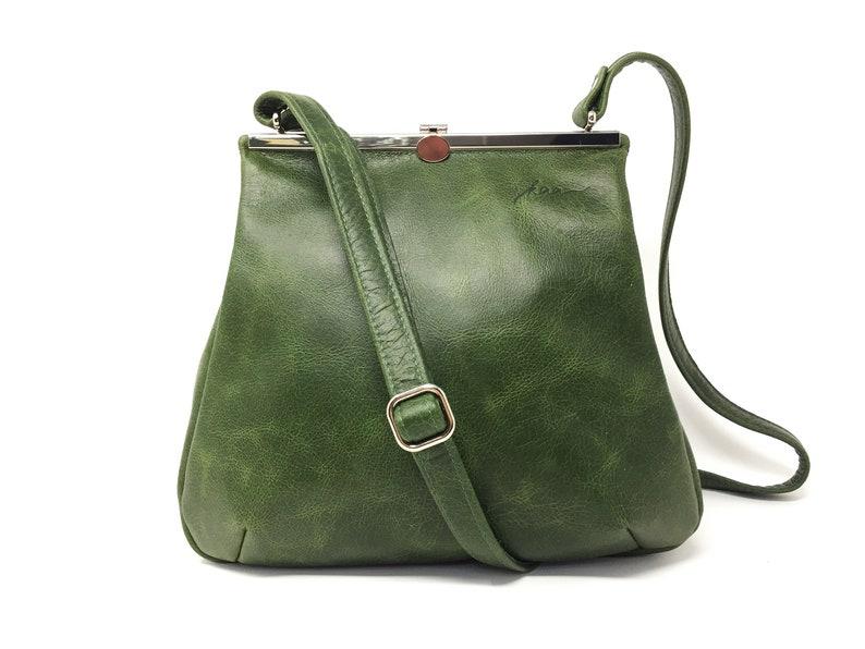 1c39aac81ba31 Grüne Ledertasche für Damen Ledertasche grün Tasche
