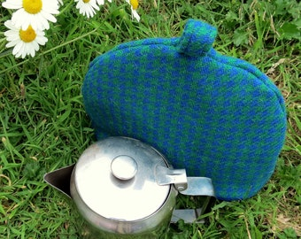 Small Tea Cosy.  A wool tea cosy, made to fit a two cup teapot.