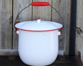 Vintage Enamelware Chamber Pot With Lid, White With Red Trim Enamelware Bucket, Enamel Diaper Pail