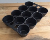 Griswold Cast Iron Muffin Cupcake Pan